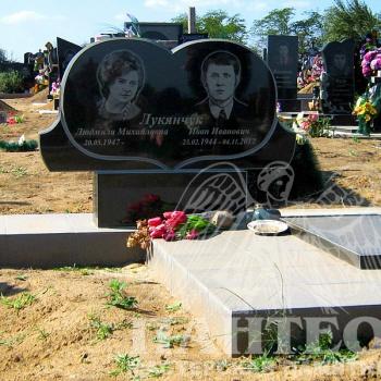 Памятник двойной № 12