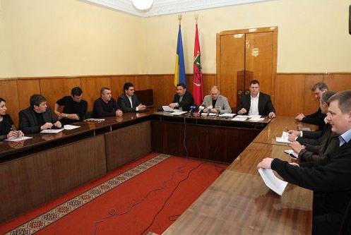 Днепропетровский горсовет обязали восстановить порядок на рынке ритуальных услуг