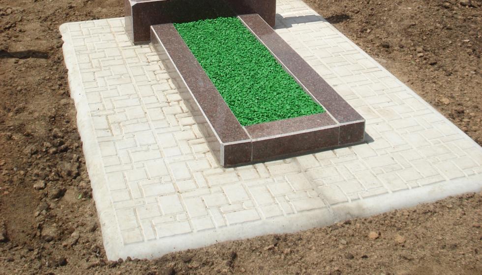 Установка памятника на плиты